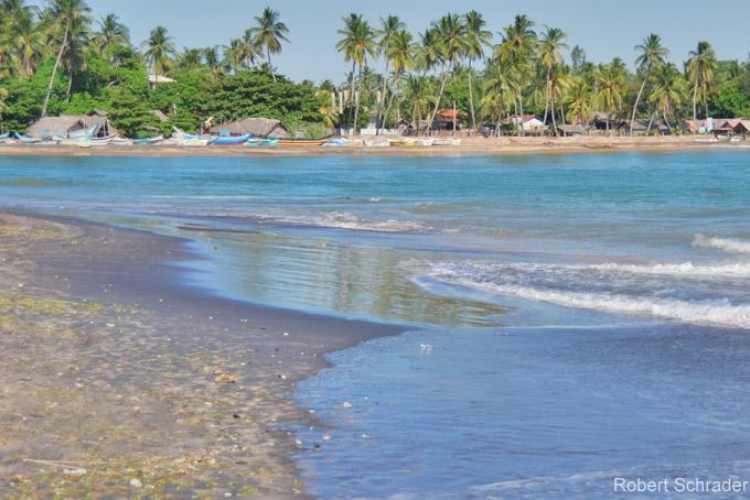 Die schönsten Sehenswürdigkeiten Colombos: Schwimmen in Negombo