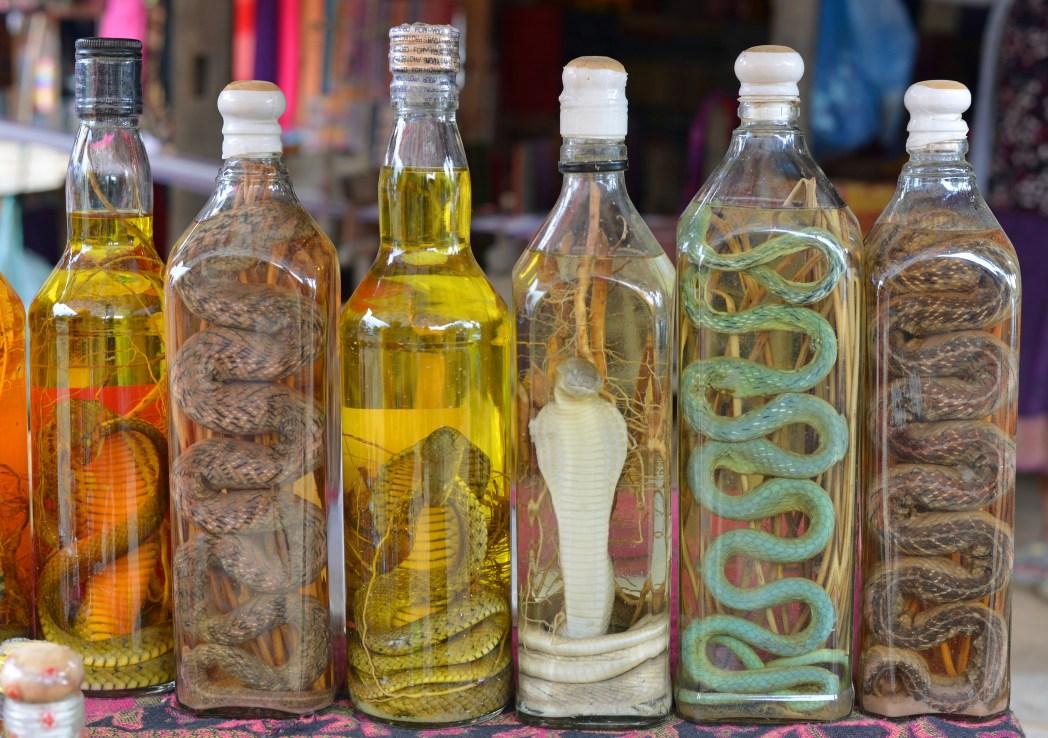 Zollbestimmungen bei der Einfuhr aus Drittländern: Alkohol mit Schlangen und Ähnlichem