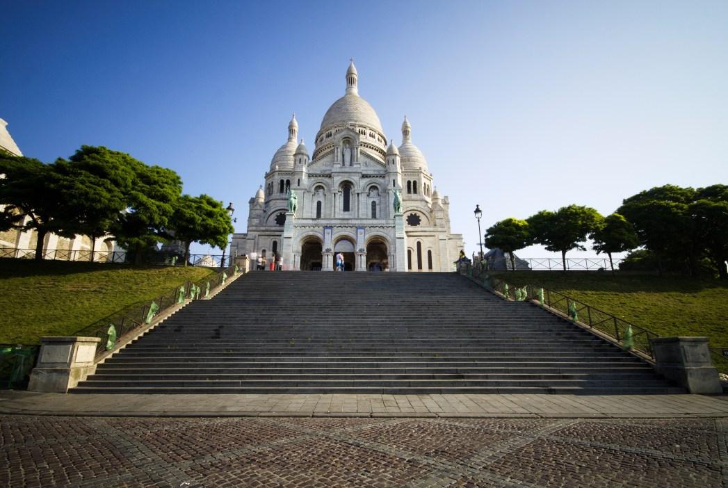 Top-Sehenswürdigkeiten in Paris: Künstlerviertel Montmartre, Basilika Sacré Coeur und Moulin Rouge