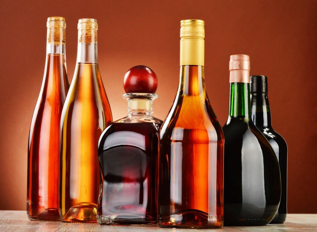 Ungeeignete Souvenirs: Lebensmittel, Alkohol