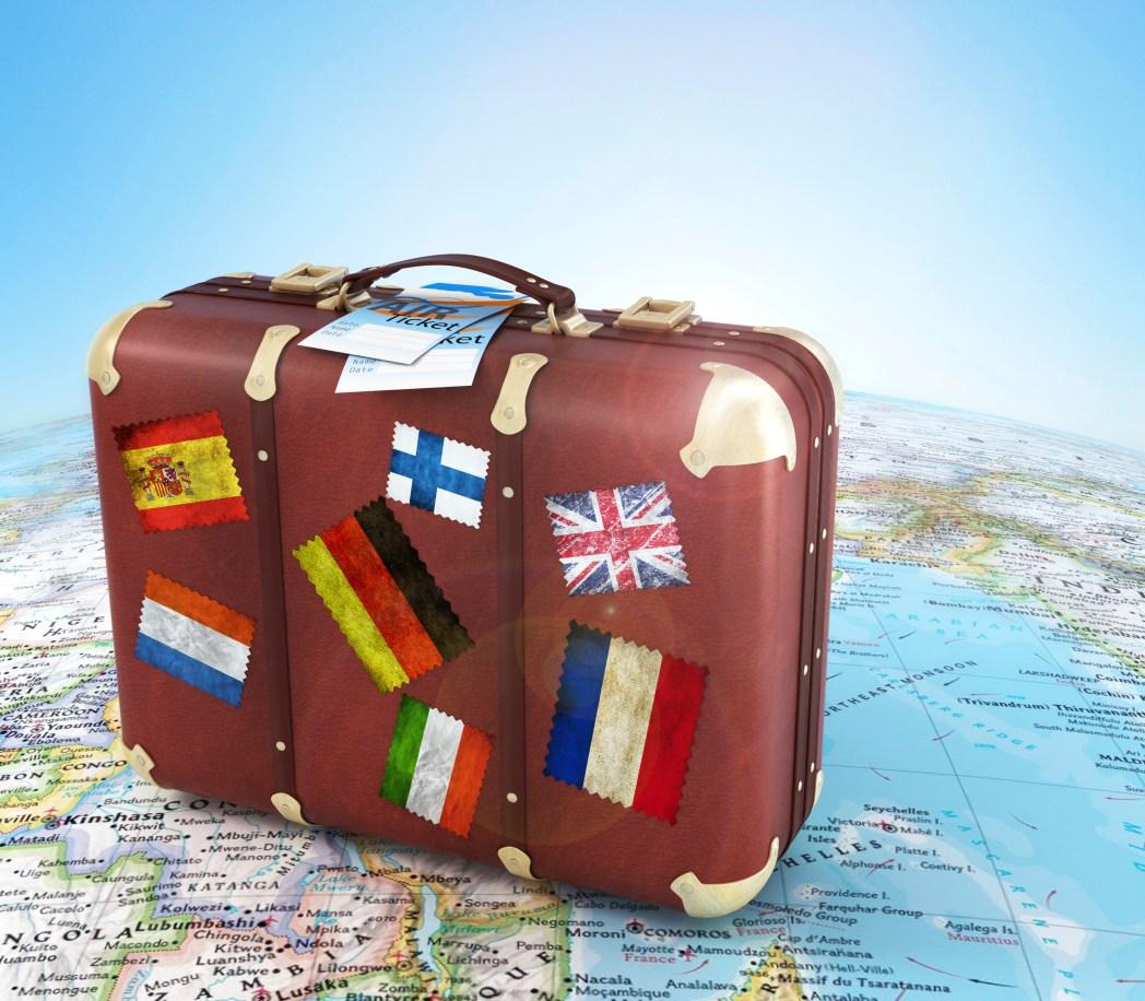 Service-Gebühren bei Reisebüros und die volle Angebotsvielfalt dank Online-Reisebüros