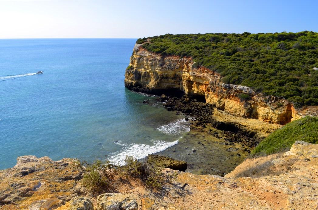 Mildes Klima das ganze Jahr lang: Algarve-Küste in Portugal