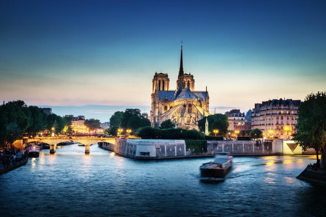 Top-Sehenswürdigkeiten in Paris: Bootsfahrt auf der Seine