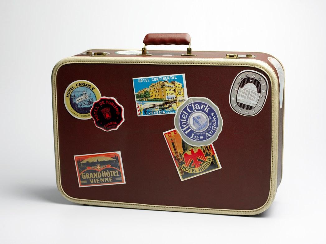 Gegen Gepäckdiebstahl absichern: Gepäckstücken einen persönlichen Touch verpassen