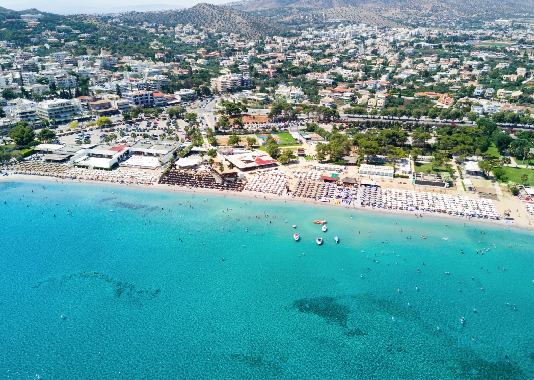 Europäische Städte am Meer mit Strand: Athen, Griechenland