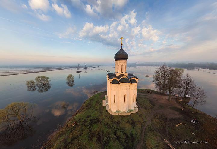 White Stone Kirche der Fürbitte auf dem Nerl, Vladimir Region Russland